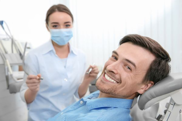 Benefits Of A Professional Teeth Whitening